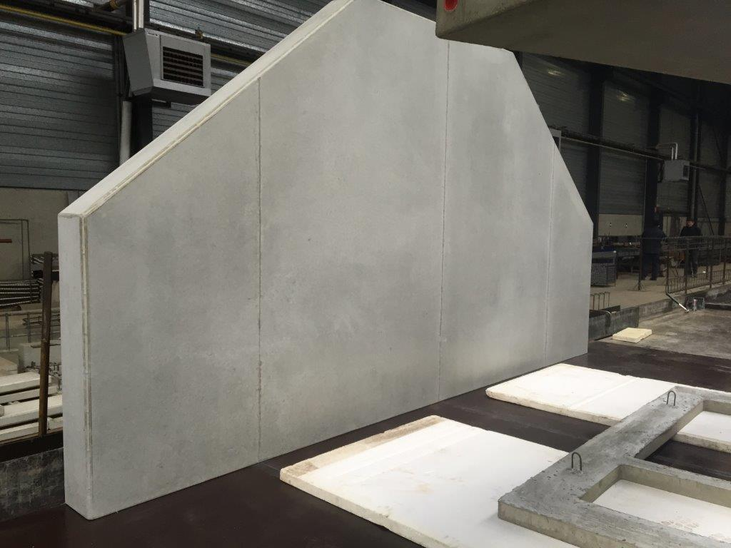 Zijwand van een betonnen trap als draagvlak
